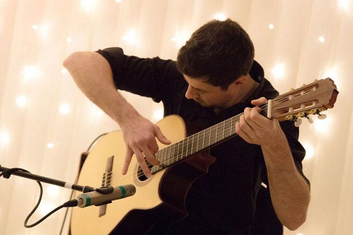 Bild von Armin Kulla - Lehrer für Akustik-Gitarre